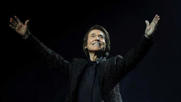 Raphael ofrece en Madrid el concierto más masivo de la pandemia