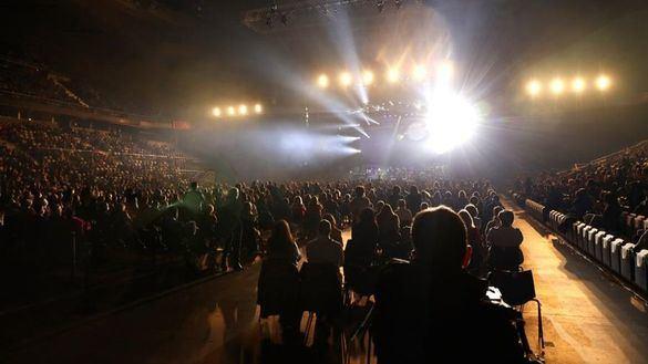 El polémico concierto de Raphael enfrenta a Illa y a la Comunidad de Madrid