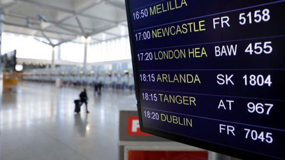 El Gobierno suspende los vuelos desde Reino Unido salvo para nacionales o residentes en España