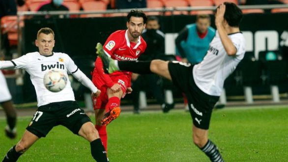 El Sevilla crece y devuelve al Valencia a su realidad | 0-1