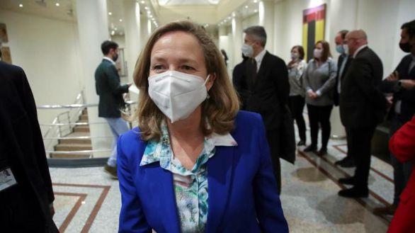 Se recrudece la tensión en el Gobierno: Calviño pide aplazar la subida del SMI