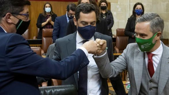 Moreno aprueba los presupuestos andaluces para 2021 con el apoyo de Cs y Vox