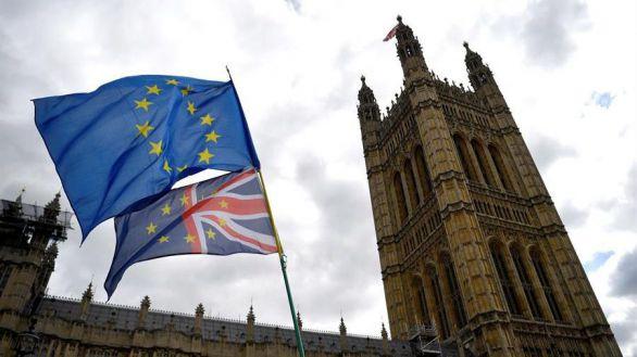 La UE y Reino Unido sellan in extremis un acuerdo comercial para evitar el Brexit duro