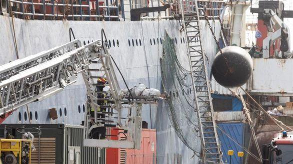 Recuperan los cuerpos de los tres fallecidos en el incendio del pesquero de Las Palmas