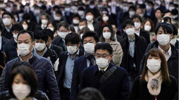Japón prohíbe entrar a todos los viajeros, salvo residentes, por la nueva cepa británica