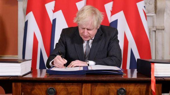 El Parlamento británico respalda con una amplia mayoría el acuerdo del Brexit