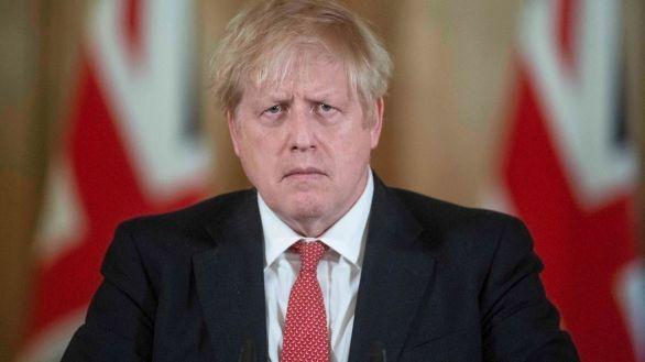 Boris Johnson decreta el confinamiento total en Inglaterra y cierra los colegios