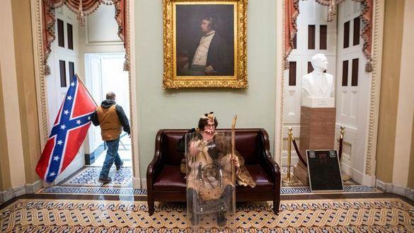 Fotogalería. Las insólitas imágenes que deja el asalto al Capitolio de EEUU