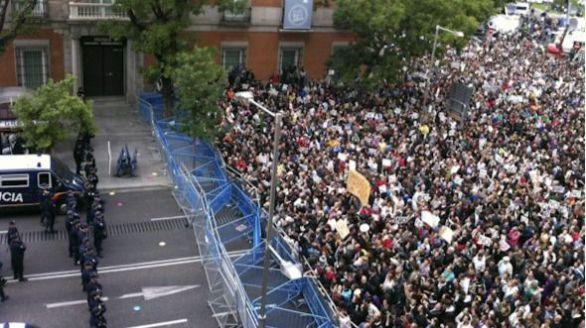 Comparan el asalto al Capitolio con el 'Rodea el Congreso' de Podemos