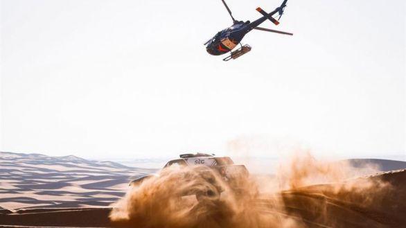 Rally Dakar. Carlos Sainz no cede y amanece un problema para Peterhansel