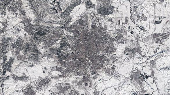 La espectacular imagen de Madrid cubierta de nieve captada desde el espacio