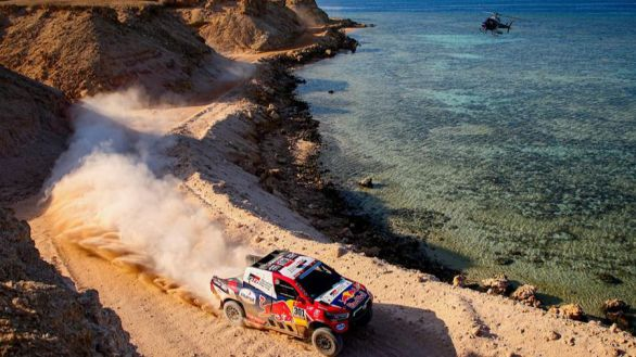 Rally Dakar. Peterhansel amplía la ventaja de su liderato