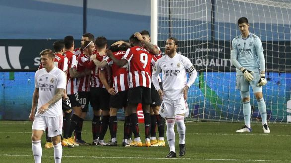 Supercopa. Un Real Madrid bipolar regala al Athletic el billete para la final | 1-2