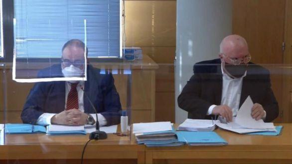 Piden la dimisión de tres alcaldes por su vacunación