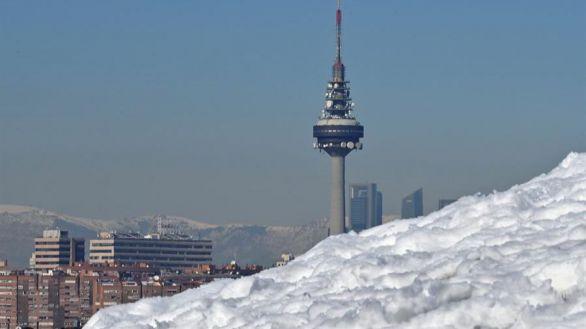 Madrid presentará un plan de rescate de mil millones para familias y empresas
