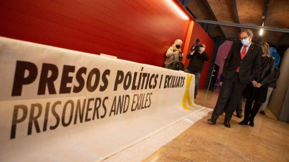 El expresidente de la Generalitat Quim Torra durante el acto de entrega al Museo de Historia de Cataluña de la pancarta a favor de los líderes independentistas presos que colgó en el balcón del Palau de la Generalitat y que provocó su inhabilitación.