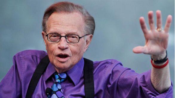 Larry King, mítico entrevistador de la CNN, fallece a los 87 años