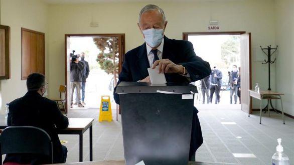 Rebelo de Sousa arrasa en la primera vuelta de las elecciones de Portugal