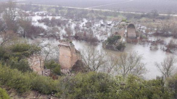 Colapsa uno de los dos arcos de un puente romano sobre el Ebro en Logroño
