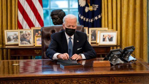 El presidente de EEUU, Joe Biden, este lunes en el despacho oval.