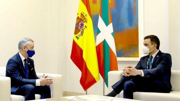 Sánchez y Urkullu coinciden en la necesidad de avanzar en el autogobierno vasco