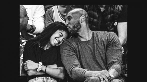 NBA. Reggio Emilia dedica una plaza a Kobe Bryant y recogimiento en los Lakers