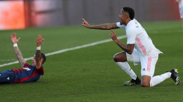 El Levante ahonda en la herida de un gris Real Madrid |1-2