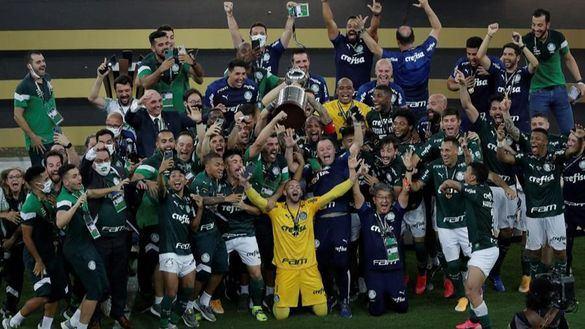 Copa Libertadores. El Palmeiras gana la guerra en el descuento y vuelve a conquistar América | 1-0