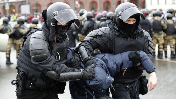 Más de 4.500 detenidos en Rusia durante las protestas por la liberación de Navalni