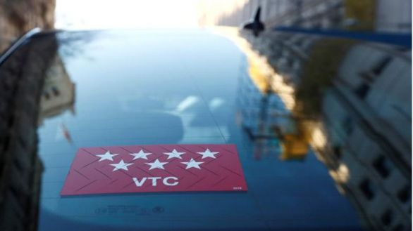 Nuevos requisitos para conducir un VTC: examen tipo test y formación continua