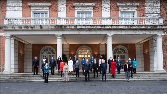 Nueva foto de familia del Gobierno: Iceta se estrena en el Consejo de Ministros