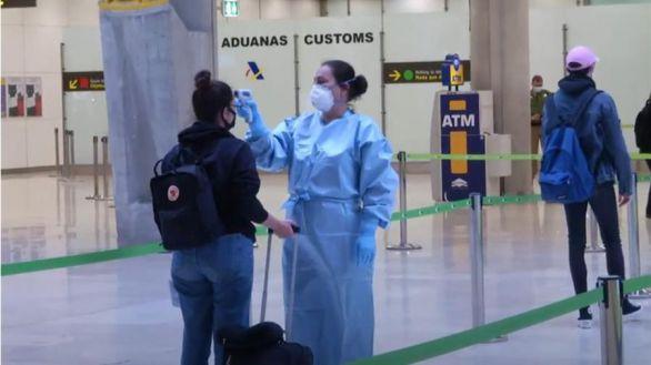 El Gobierno restringe los vuelos con Brasil y Sudáfrica