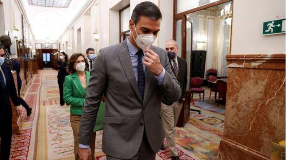 Sánchez elogia a Abascal para atacar a Casado
