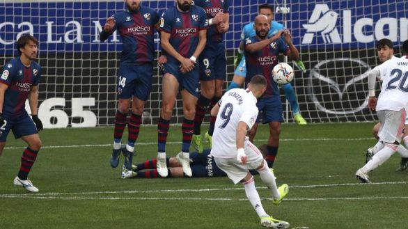 Doblete de Varane para salvar a un Real Madrid sin pegada |1-2