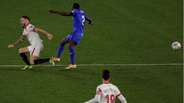 El Sevilla se impone al Getafe pendiente de la salud de Ocampos  3-0