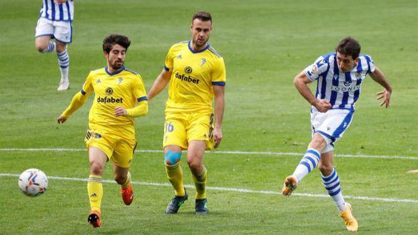 La Real supera un Cádiz castigado por el VAR |4-1