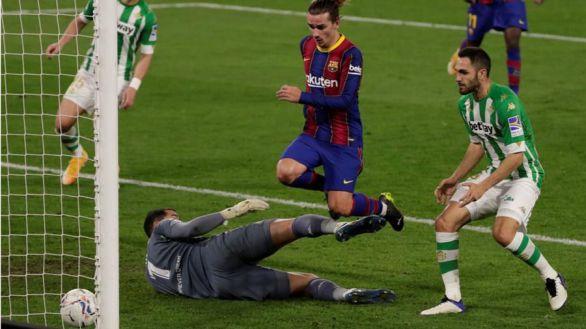 El Barcelona se sobrepone a un Betis marcado por los errores |2-3