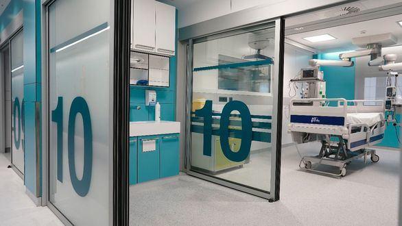 El Ramón y Cajal estrena UCI: 24 camas más, tecnología smart glass y videovigilancia