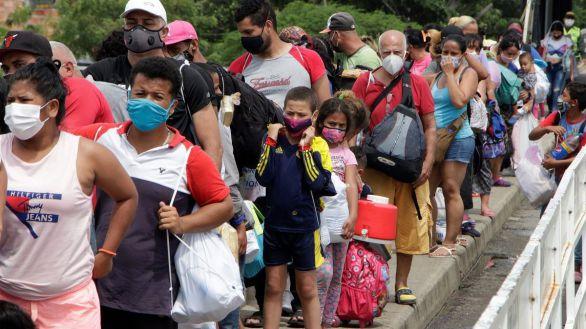 Colombia decide regularizar a más de un millón de inmigrantes venezolanos