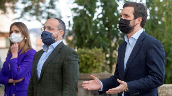 El entorno de Casado niega que el mal resultado en Cataluña cuestione al líder del PP