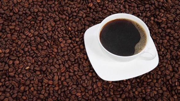 Un café bien cargado media hora antes de hacer ejercicio aumenta la quema de grasa