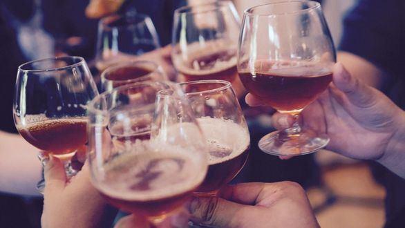 Localizan la adicción al alcohol en la región del cerebro que regula la respuesta al peligro