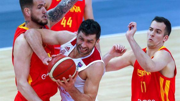 España logra contener a Slaughter en el trámite polaco |88-89