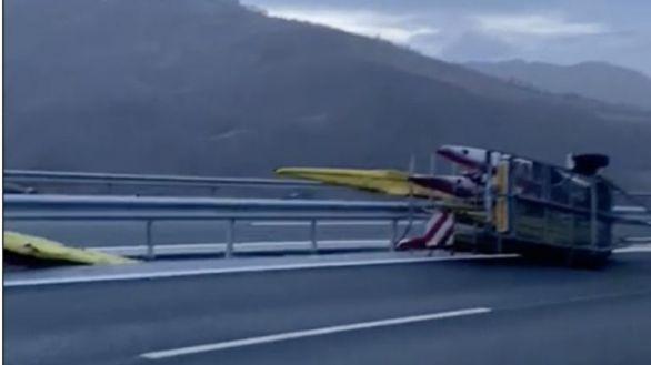 El equipo español de piragüismo sale ileso de un accidente pero destroza el K4 de los JJOO