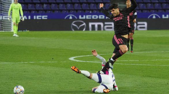 Courtois y Casemiro sostienen al Real Madrid en la lucha por la Liga |0-1