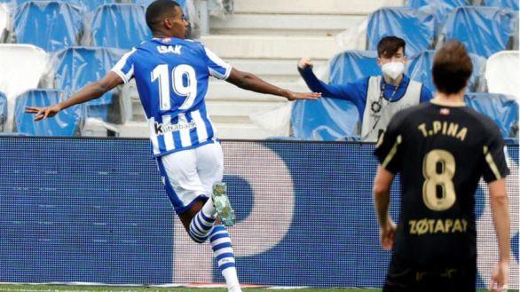 Isak se exhibe para desatascar a la Real frente al Alavés |4-0