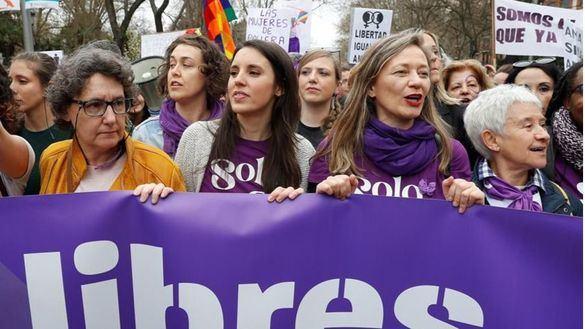 PSOE y Podemos se empeñan en celebrar el 8M y Ayuso augura que se convertirá en el