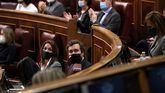 '¡Que se besen! ¡Que se besen!': así se ha cachondeado Vox del acuerdo PP-PSOE