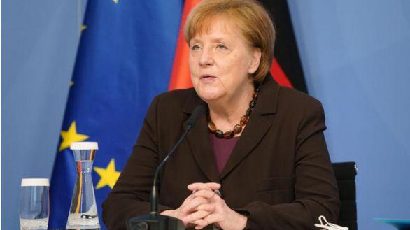 Merkel avanza que la UE prepara un pasaporte de vacunación para el verano