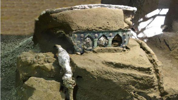 Descubierta en Pompeya una gran carroza ceremonial casi intacta